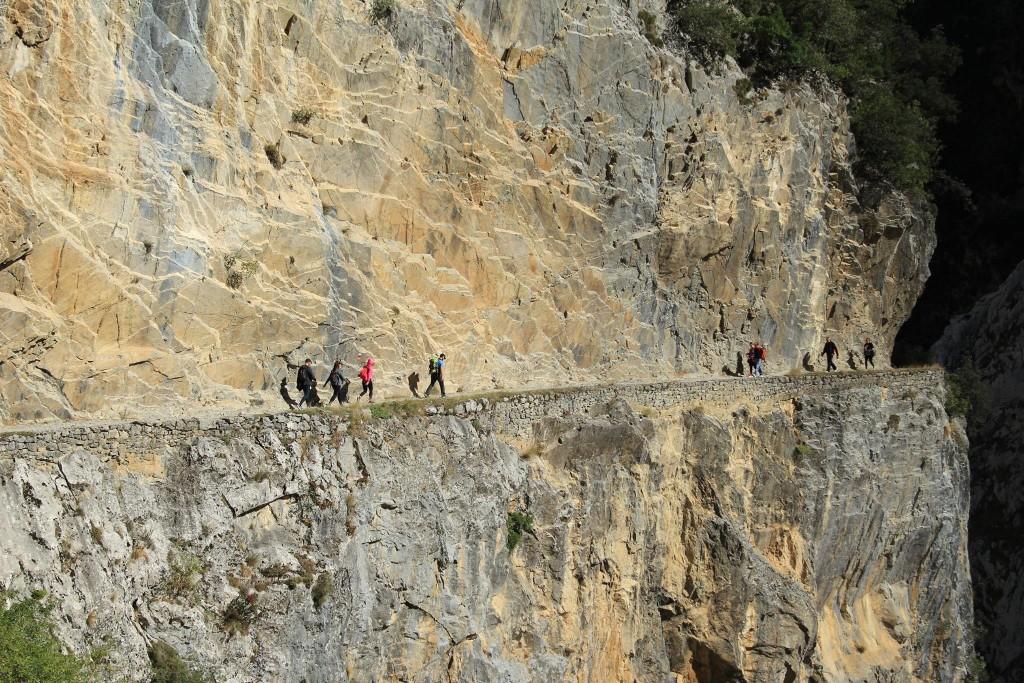 Magnífica escarpa dos Picos de Europa